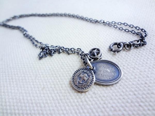 le-temps-necklace_01
