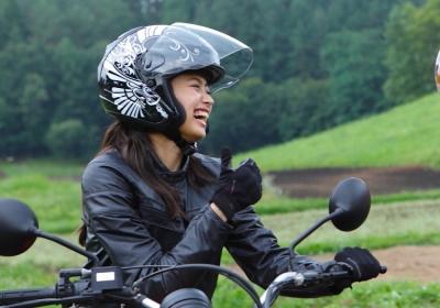 """レディスバイク×カブトコラボヘルメット""""AVAND-Ⅱ""""、販売開始!!"""