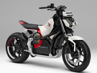 東京モーターショー2017 ホンダは自動バランスの電動バイクなど、計27台の二輪車を展示