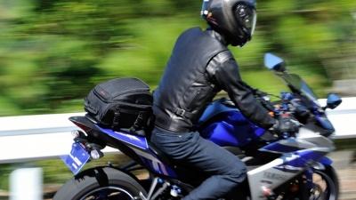 デイトナより、250ccのフルカウルスポーツモデルなどにピッタリなシートバッグ2製品が登場