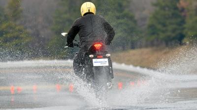 Pilot Road4から進化を遂げたMICHELIN Road5が登場! 雨の日でも安心して走れるというウェット性能を体感してきました