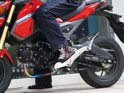 ラフ&ロードより、カジュアルなデザインの中にライディングの機能が詰まったラフライディングスニーカーが販売中♪