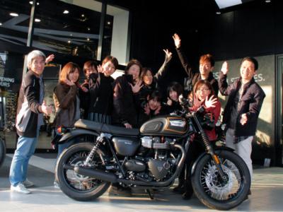 トライアンフのBonneville T100をみんなでデザイン!? トライアンフ東京1周年記念モデルをレディスバイク読者が考案♪