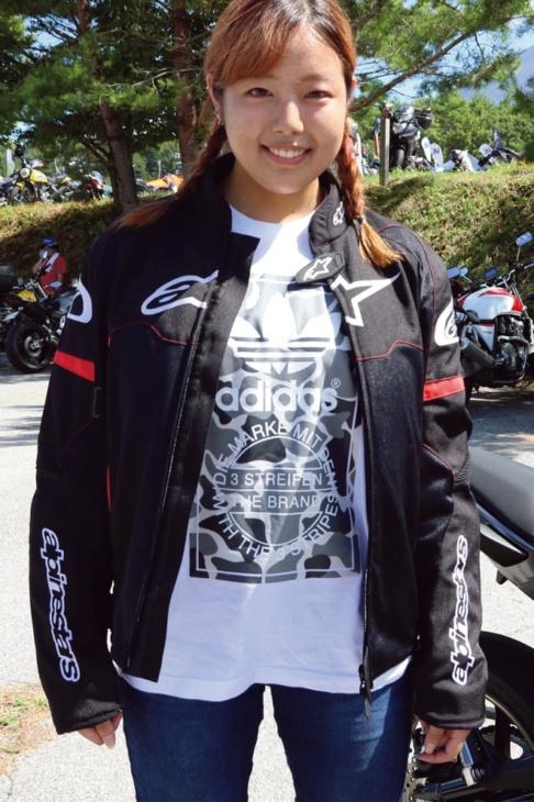 ジャケットとTシャツは、一緒に来ていた彼氏とオソロイ!