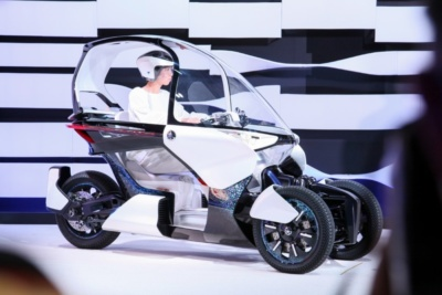 【東京モーターショー2019】ヤマハが立ちゴケ知らずの新パーソナルモビリティを提案!ほかEVをはじめ多数のモデルを出展
