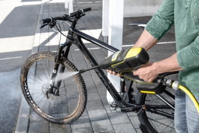 バイクの汚れもラクラク激落ち!ケルヒャーからバッテリー式ハンディ高圧洗浄機♪