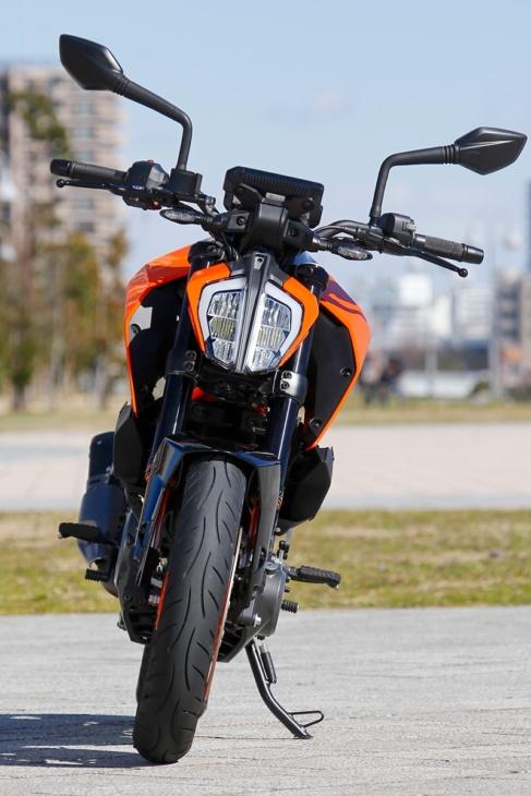 KTM 390 DUKE フロントビュー