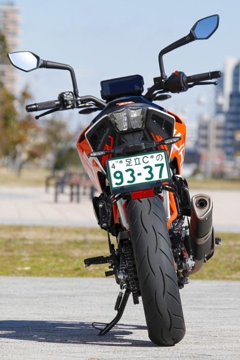 KTM 390 DUKE リヤビュー