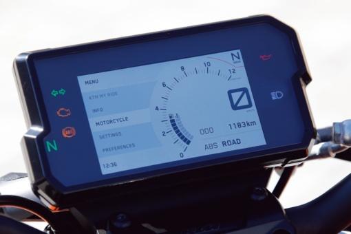 KTM 390 DUKE デジタルメーター