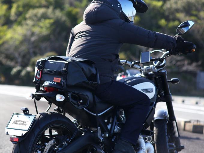 DOPPELGANGER DBT575-BK ターポリンシートバッグ デイズをバイクに積載