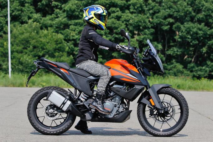 KTM 390ADVENTURE ライディングポジション