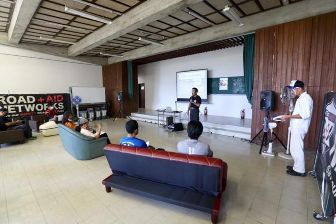 MOTO MIXX SCHOOL 多目的ホール