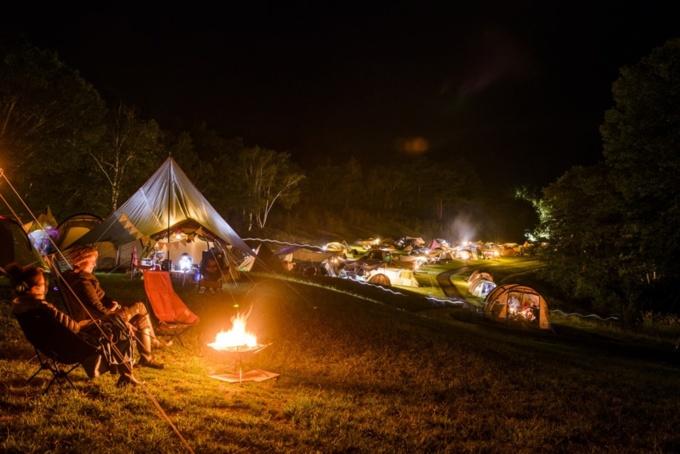 「New (Lifestyle) Acoustic Camp 2020 〜いつもより、ゆったり、のんびりの、あたらしいニューアコ。〜」夜の会場イメージ