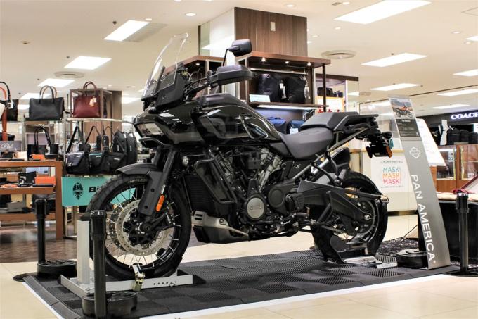 そごう横浜 ハーレーダビッドソン パンアメリカ1250 実車先行展示イベント