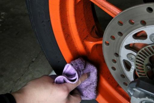 洗車中のKTM RC125