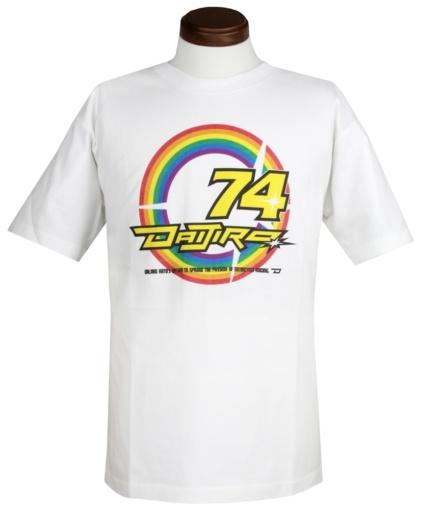 """シンイチロウアラカワと「74 DAIJIRO デルタエンタープライズ」とのコラボレーションTシャツ""""74 RAINBOW T-SHIRTS""""フロント"""