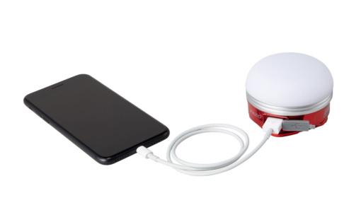 Coleman ハンギング E-ライトでスマートフォン充電