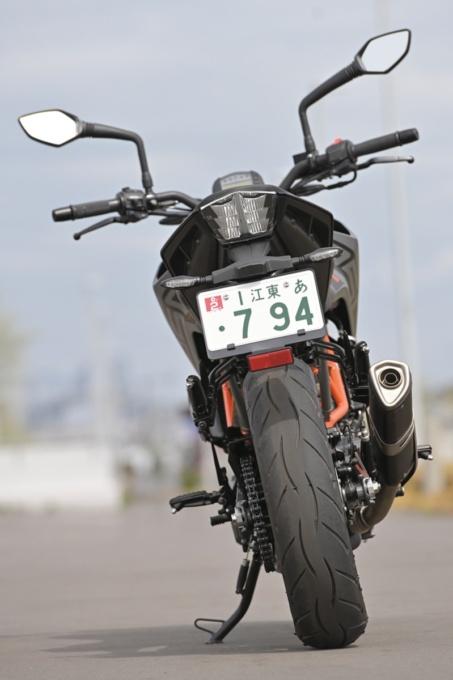 KTM 250DUKE 背面イメージ