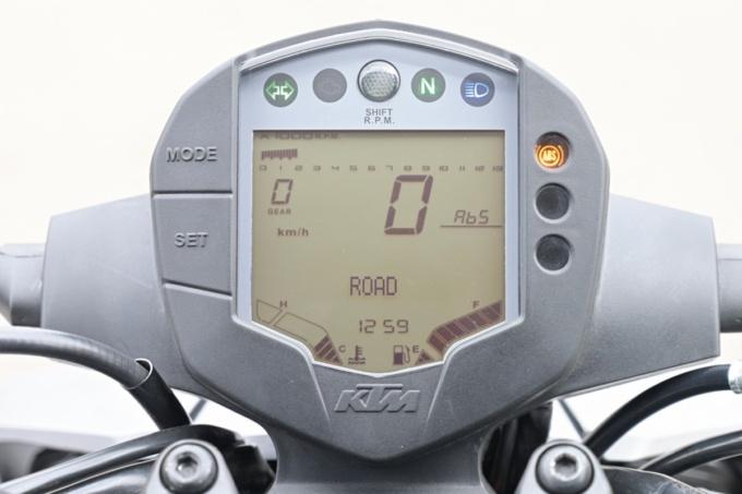 KTM 250DUKE メーターまわり