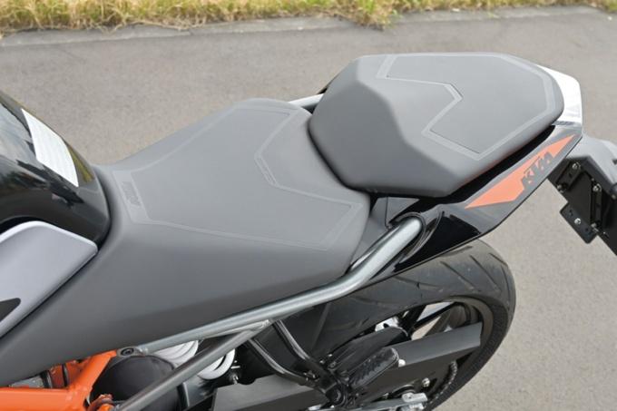KTM 250DUKE シート