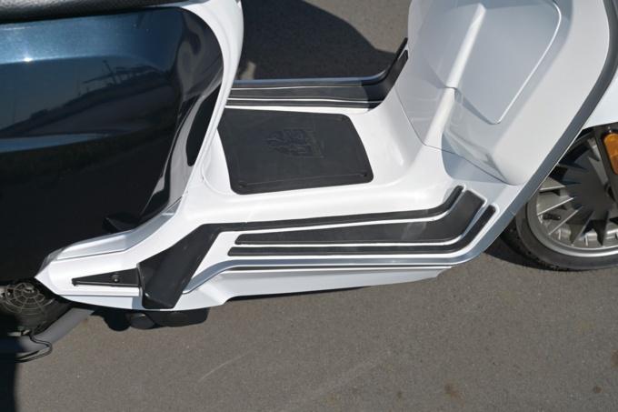LAMBRETTA V125SPECIAL ステップボード