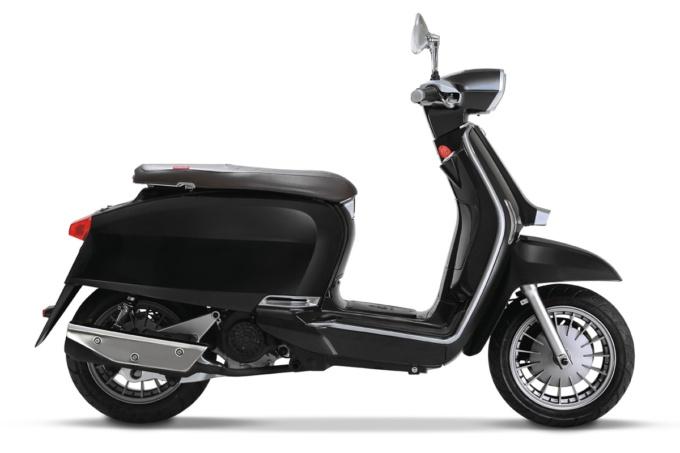 LAMBRETTA V125SPECIAL ブラック