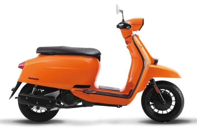 LAMBRETTA V125SPECIAL オレンジ