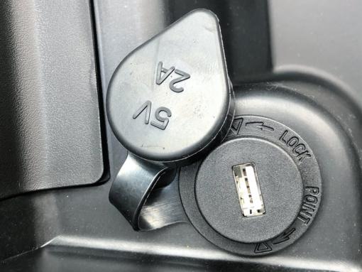 ORBIT III 125 USB給電ポート