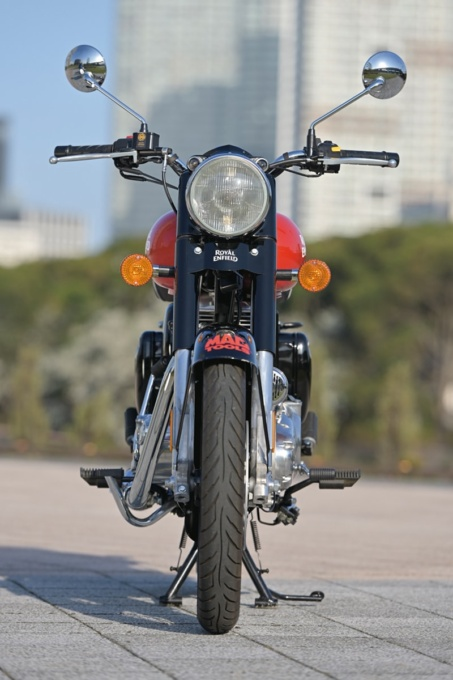 ROYAL ENFIELD CLASSIC500 正面