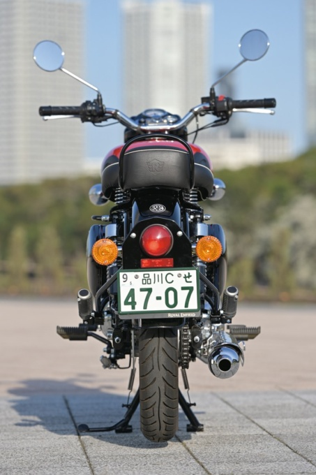 ROYAL ENFIELD CLASSIC500 後ろ